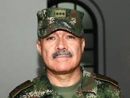 General Torres Escalante, procesado por falsos positivos, dictó seminario de DDHH en Ejército